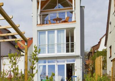 Schmales KFW-Effizienz-Haus EH70
